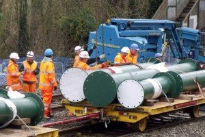 Large columns arriving by rail